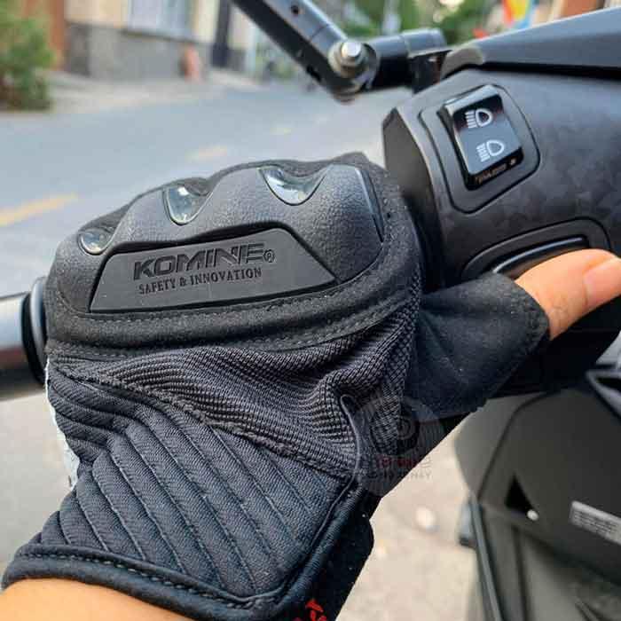 Găng tay Komine nào phù hợp cho người mới lái moto?